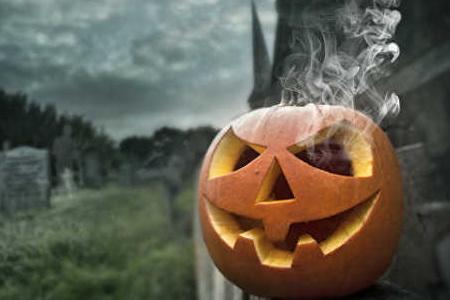 Прикмети, ворожіння, сни, традиції Хелловіна